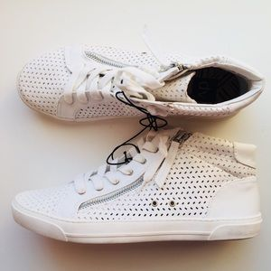 NWOT Dolce Vita White Sneakers, size 10